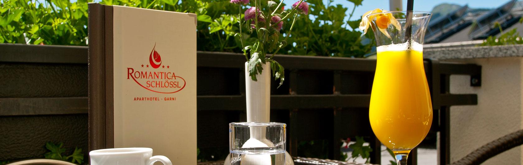 Romantica Schlössl Apart Hotel Garni in Fiss - Hausbar Romantica Geiger
